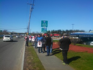 The picket line in West Springfield (WMassP&I)